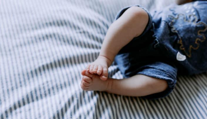 Newborn Feet. Basingstoke Newborn baby Photography. Ewa Jones Photography