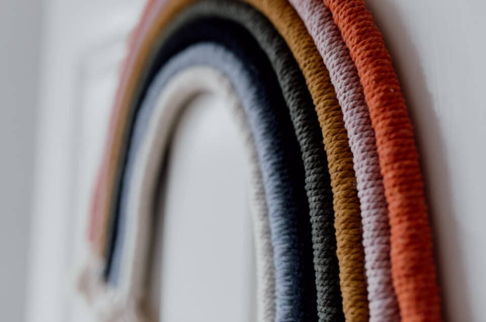 how to make a macrame rainbow. 7 colours macrame rainbow. Ewa Jones Photography, Hamsphire