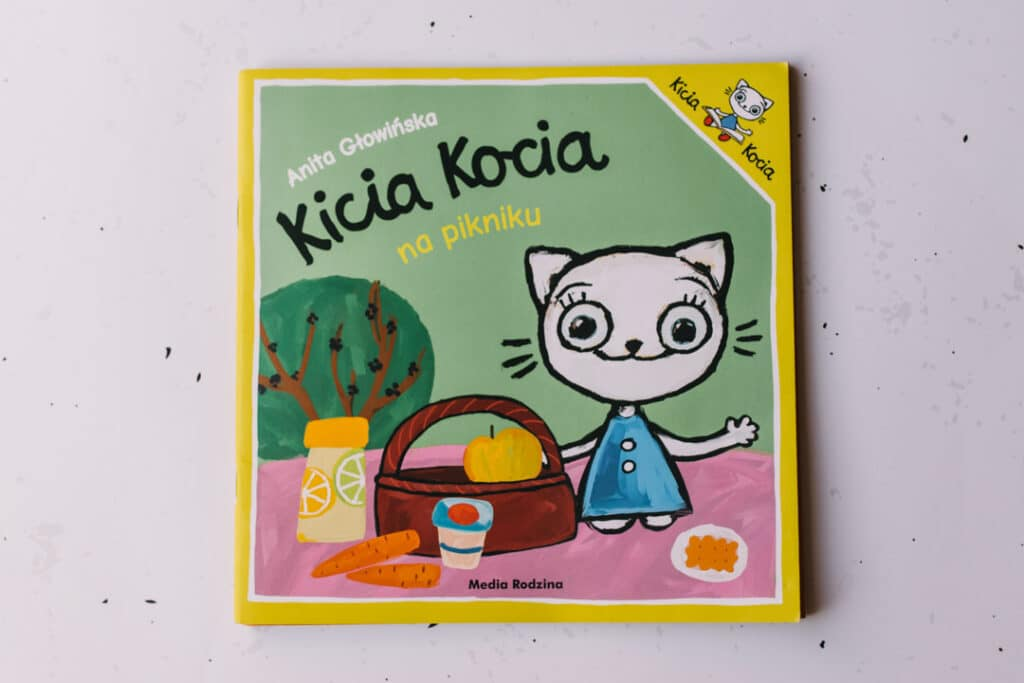 Kicia Kocia na kikniku book. 30 books to read for 0-5 year old - Part 1. Ewa Jones Photography