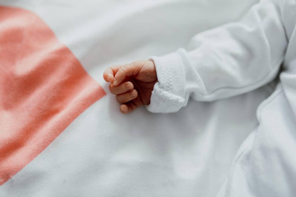 Close up detail of a newborn baby tiny hands. Newborn photographer in Basingstoke. Ewa Jones Photography