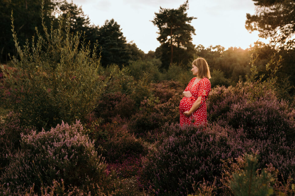 Maternity photo session in Hampshire